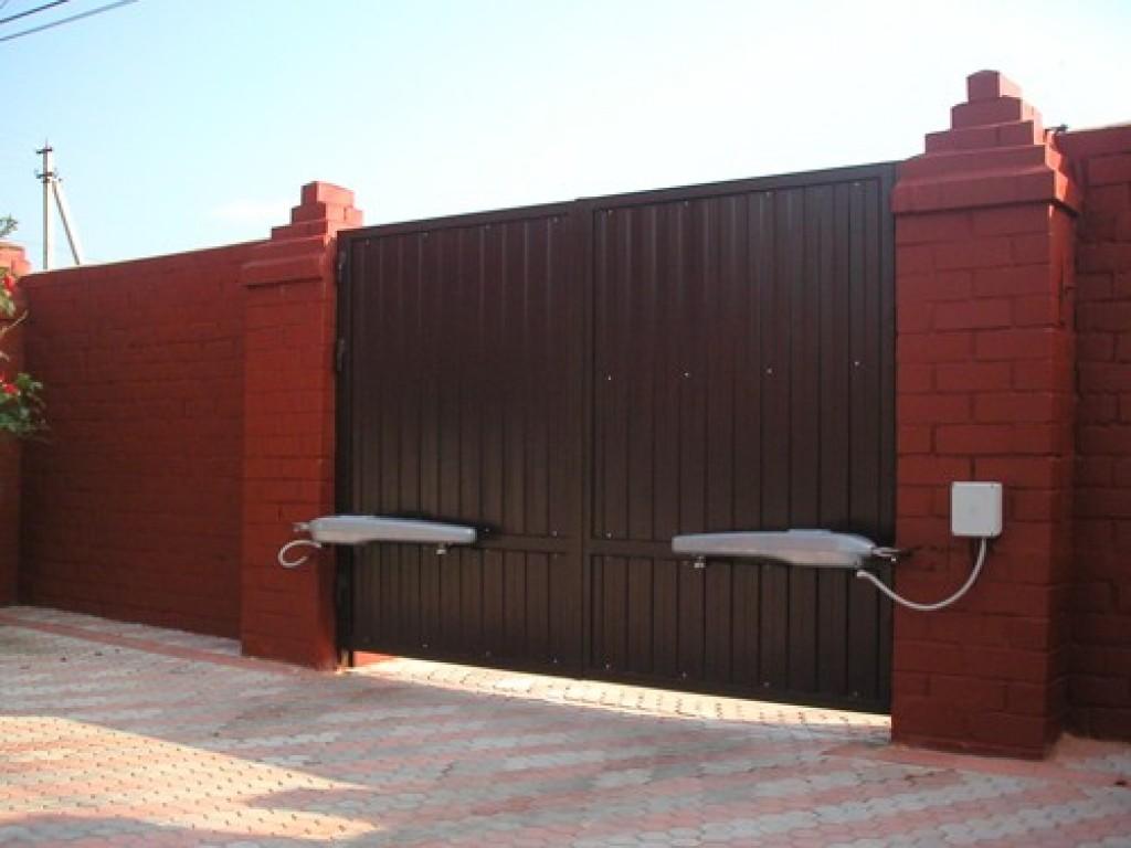 Różne typy bram garażowych