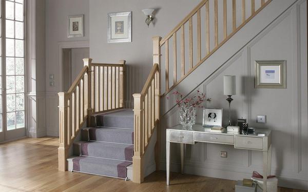 Dywanik na drewniane schody