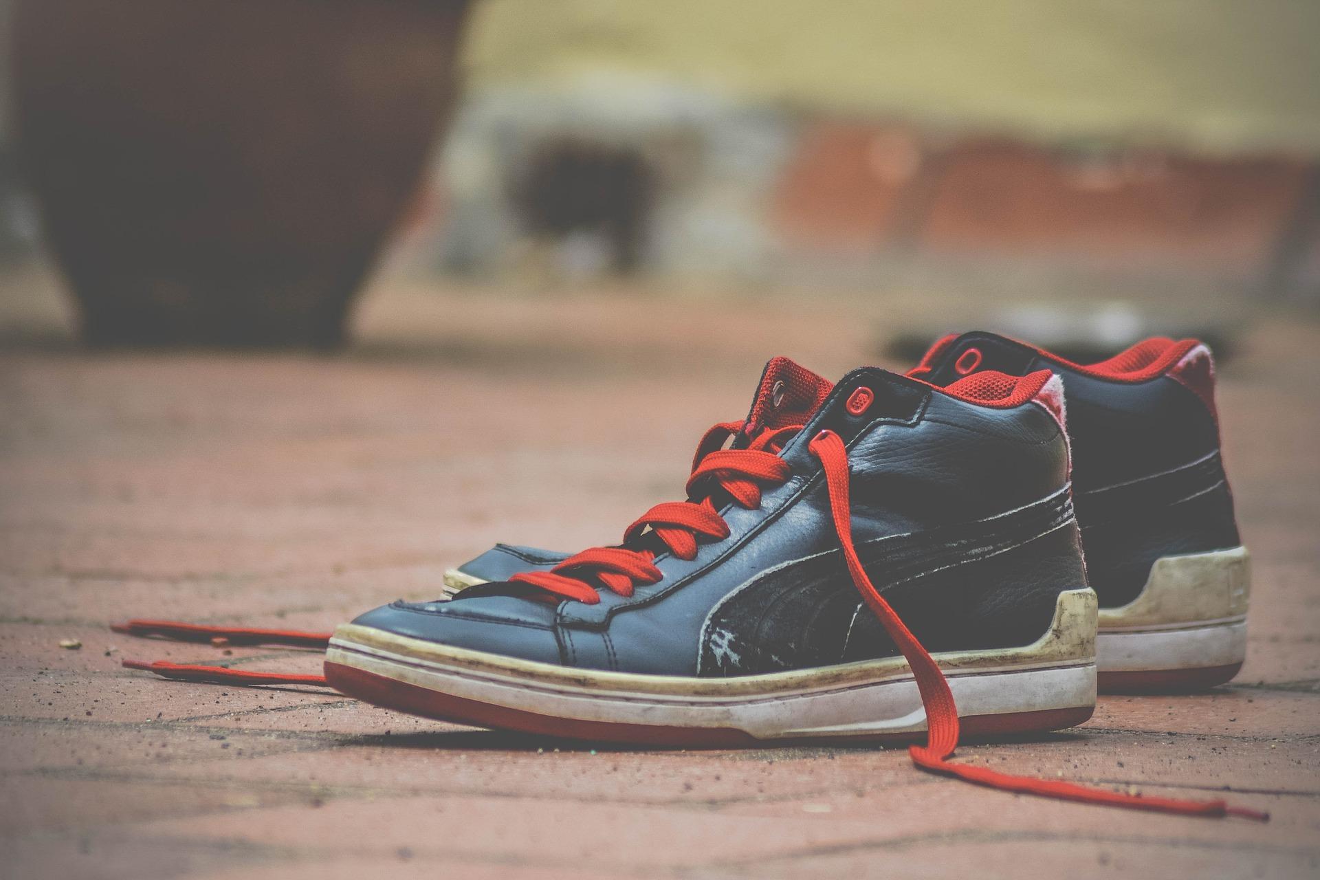 shoes-1285353_1920
