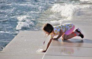 Read more about the article Bezpieczne wakacje z dzieckiem